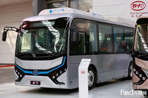 K7纯电动公交提供更多选择-专注纯电动 比亚迪携四款电动车亮相西安高清图片