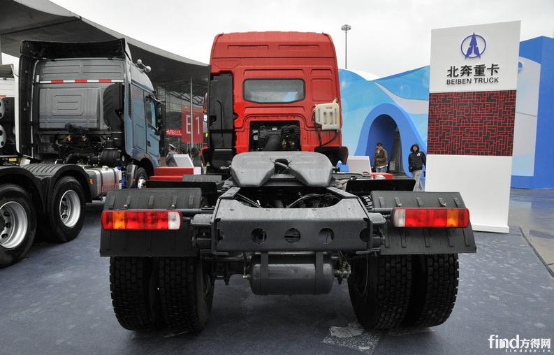 北奔V3重卡 340马力 6×2牵引车