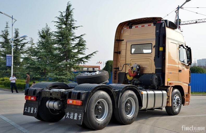 大运n9重卡 430马力 6x4 牵引车(大运金)实拍