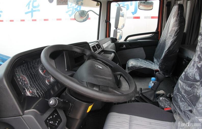 联合卡车U380 380马力 6X4 牵引车