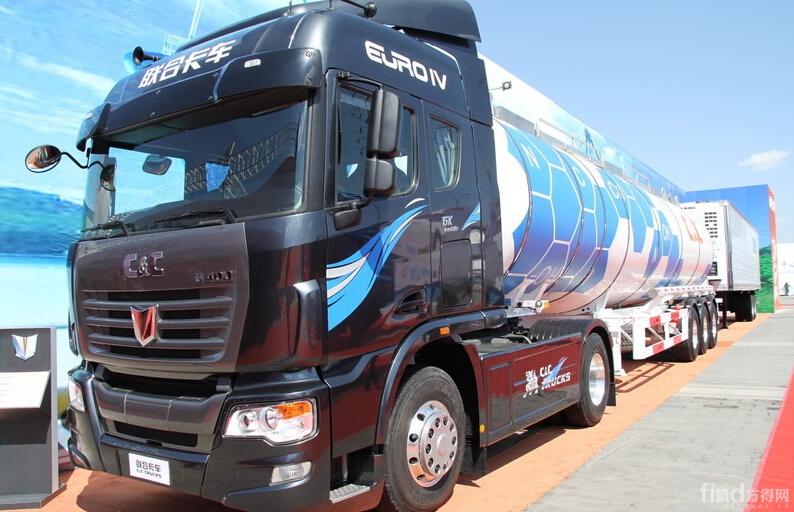 联合卡车U400 400马力 4X2 牵引车(轻量化)