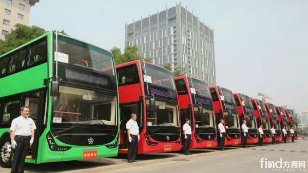 银隆钛酸锂双层纯电动大巴驶进北京!2
