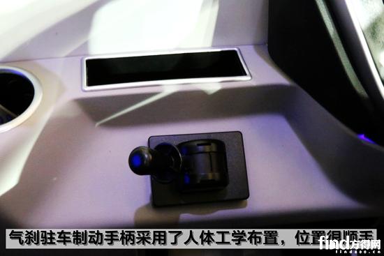 宇通ZK6128 9
