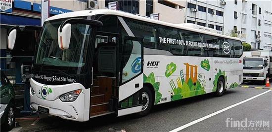 在新加坡正式运行的比亚迪纯电动旅游巴士