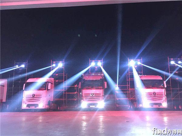奔驰发布全新一代卡车  (8)