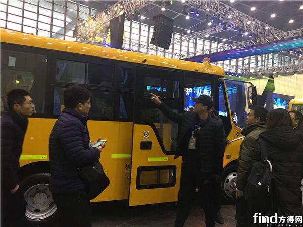 宇通第三代校车发布 (4)