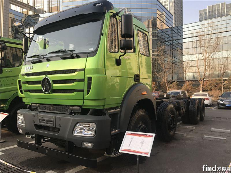 北奔重卡NG80B天然气渣土车 8×4