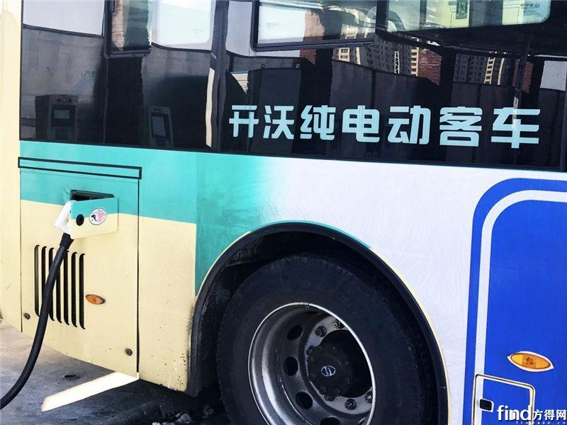 南京金龙纯电动客车正在充电