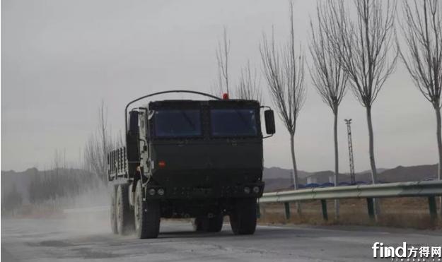 北奔重型战术车辆开赴试验场