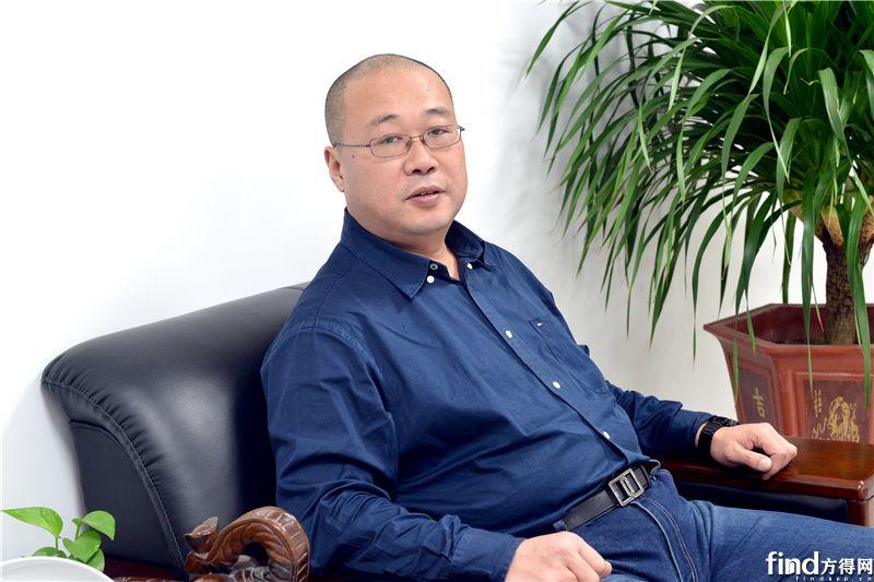 中国重汽轻卡销售部总经理王德春