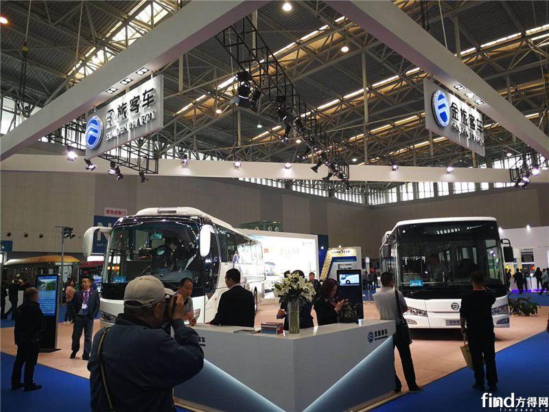 """2金旅携""""川流""""城市客车和新凯歌客车两款产品参展"""