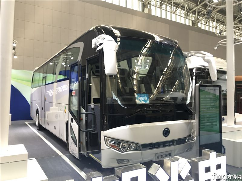 SLK6118豪华旅游客车