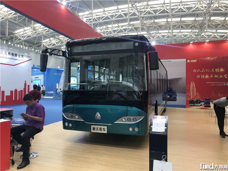 中国重汽JK6106GBEVQ4纯电动城市客车