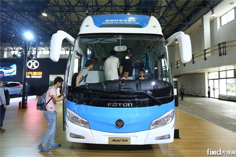 北京市领导蔡奇、陈吉宁参观福田欧辉氢燃料电池客车2