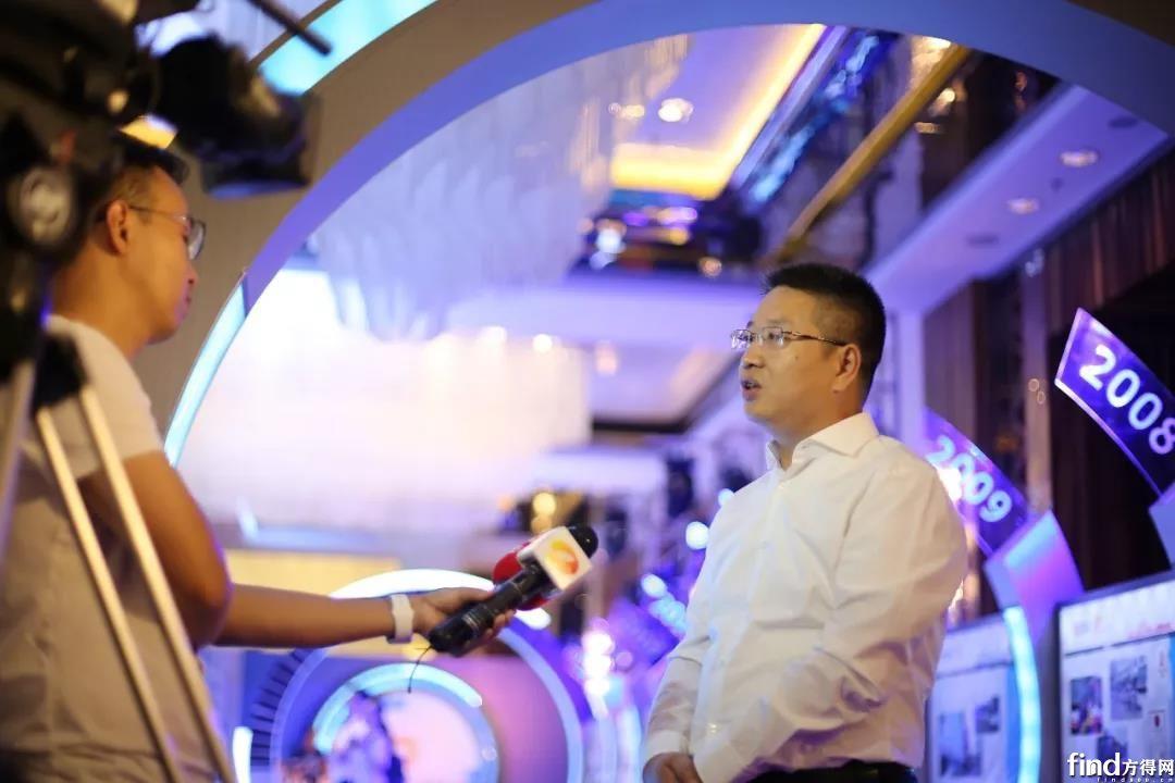 中车电动总经理刘凌接受记者采访
