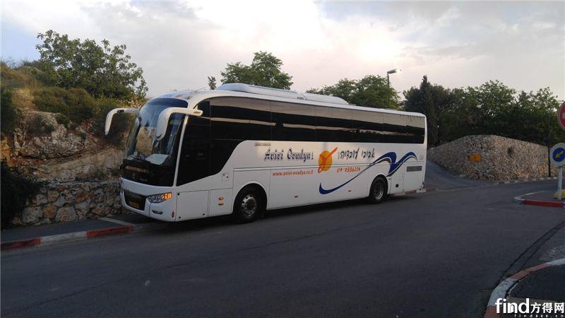 行驶在耶路撒冷的中通客车
