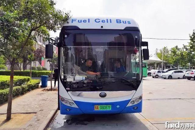 宇通氢燃料公交车明日亮相郑州 (1)