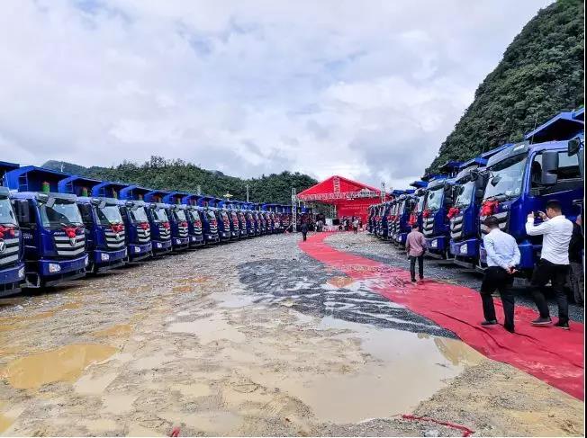 欧曼120辆自卸车交付贵州客户  (5)