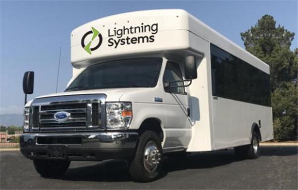 Lightning Systems推出全新版福特E-450车型 续航里程数为110英里