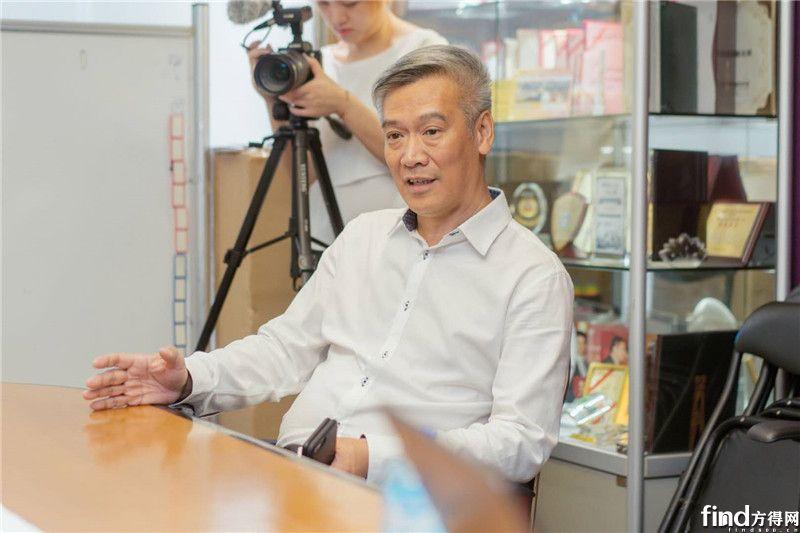 力恆汽车服务有限公司执行董事何泽明先生