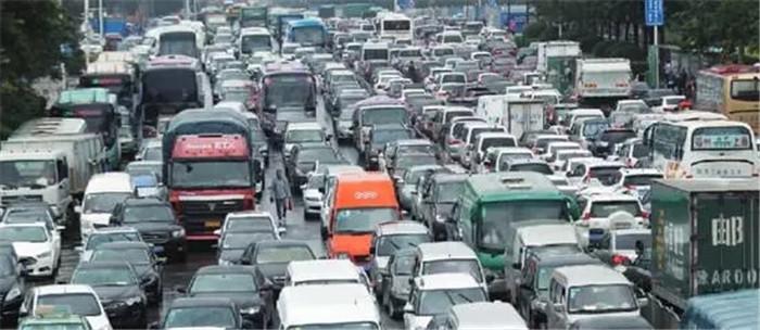 郑州发布关于进一步规范入市载货汽车管理的通告 (2)
