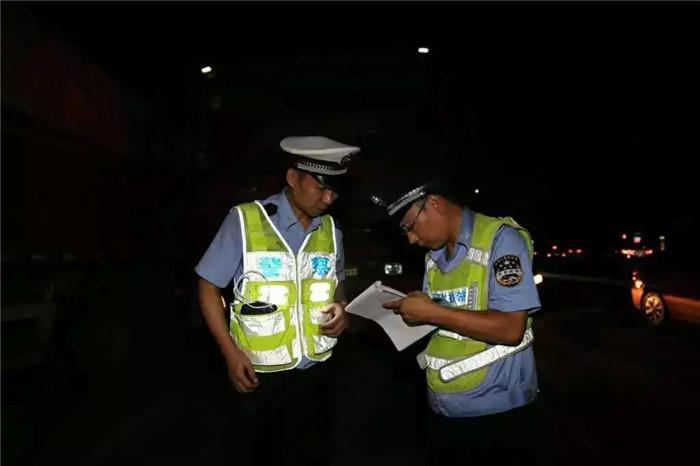郑州发布关于进一步规范入市载货汽车管理的通告 (6)