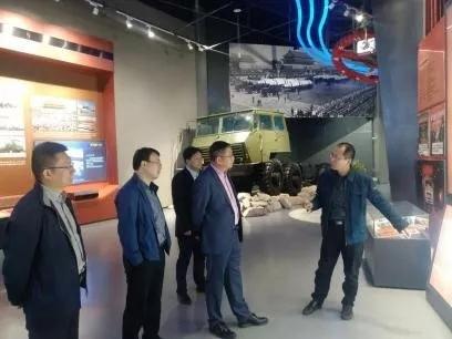 中集通华总经理走访中国重汽 洽谈深度合作事宜 (3)
