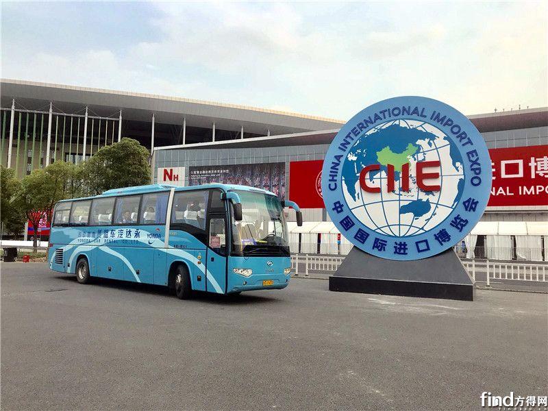 上百辆海格客车服务上海进博会 (1)
