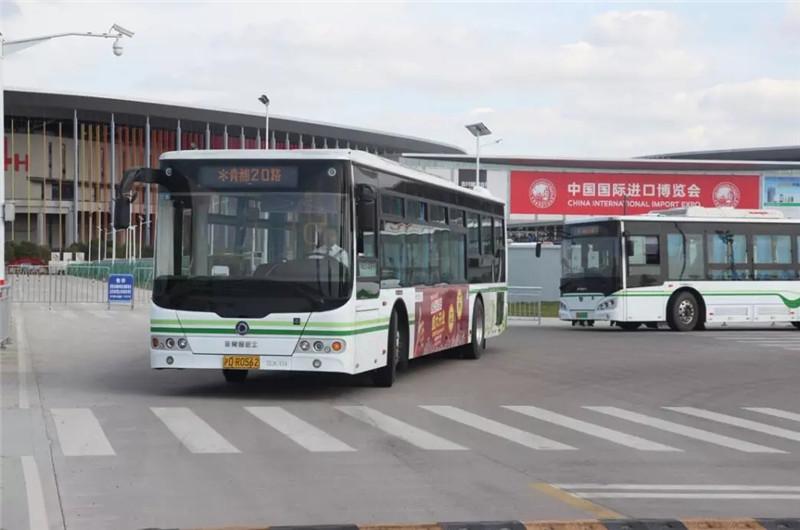 申龙客车为首届进博会保驾护航 (3)