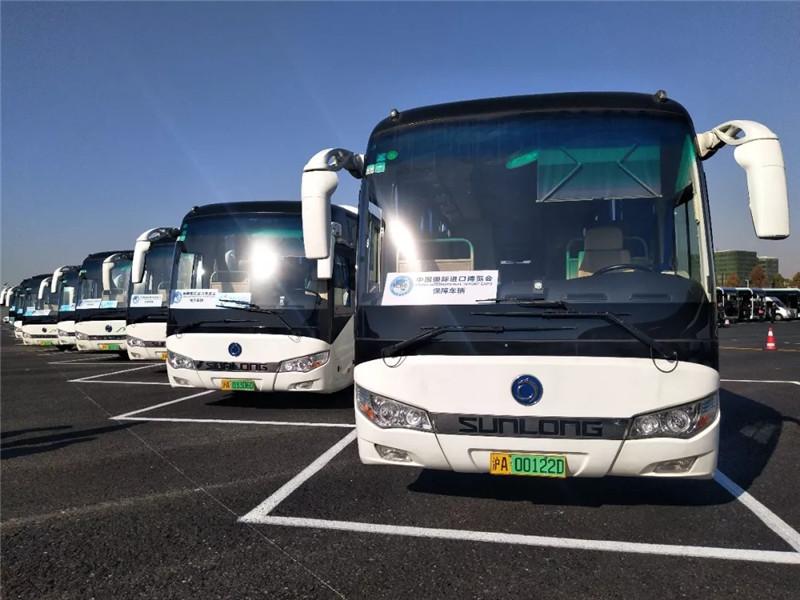 申龙客车为首届进博会保驾护航 (2)