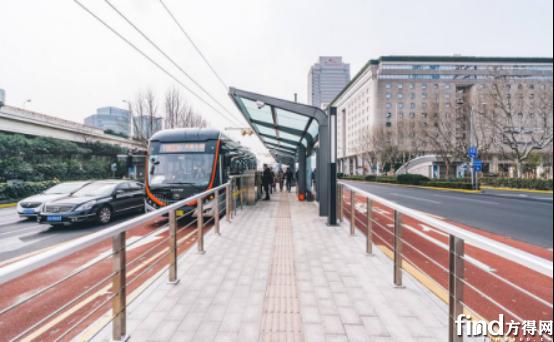 探秘上海71路公交模式!像地铁般高效!强大背后是什么?