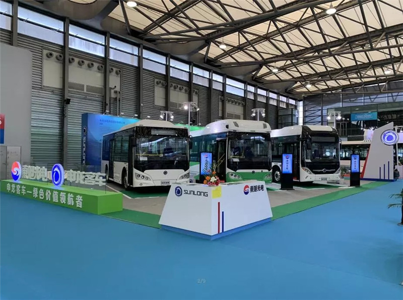申龙三款新能源精品酷炫亮相上海国际客车展 (1)