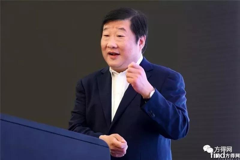 谭旭光与中国重汽1000名干部开会