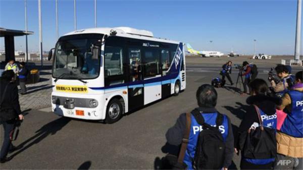 无人驾驶巴士 (1)