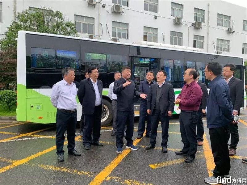 青岛公交集团董事长赵海滨莅临中车电动考察交流