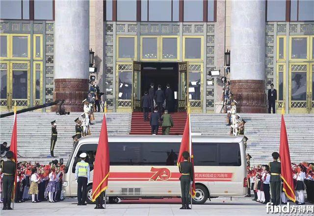 宇通为共和国勋章获得者护航 接续奋斗致敬时代英雄4