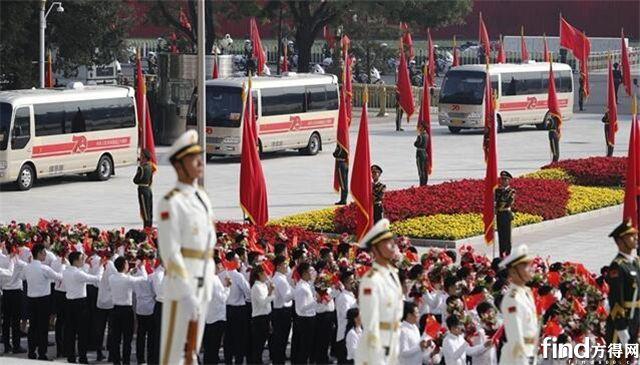 宇通为共和国勋章获得者护航 接续奋斗致敬时代英雄1111