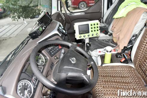 福州环卫企业为何钟情乘龙M3环卫车?原因在这里……1227