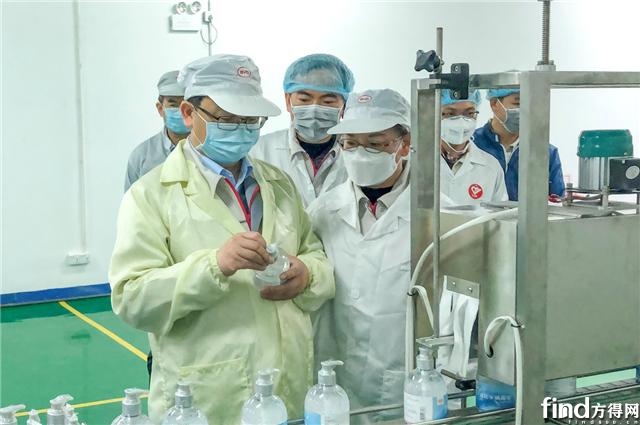 驰援抗疫 比亚迪医用级免洗手消毒凝胶日产30万瓶
