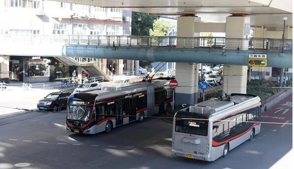 复工进入第三周,上海久事公交根据客流情况做足配套保障