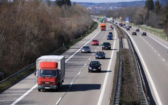 即日起,河北高速交警将开展集中整治货车行动!