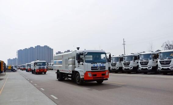 2000万徐工环卫装备批量发往广东!