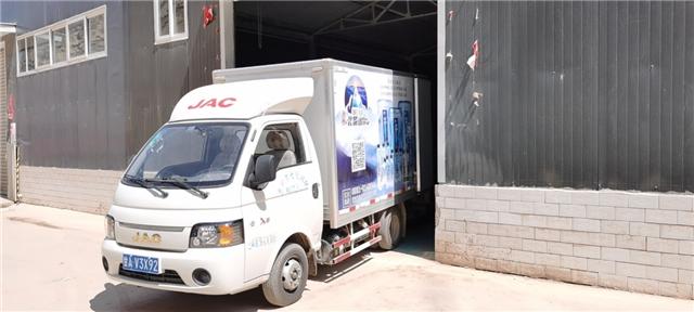 连提三台江淮轿卡 高效运输让城配物流更具活力