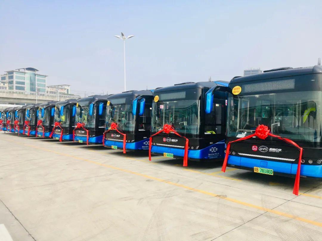 首批全新比亚迪纯电动客车投运深圳!