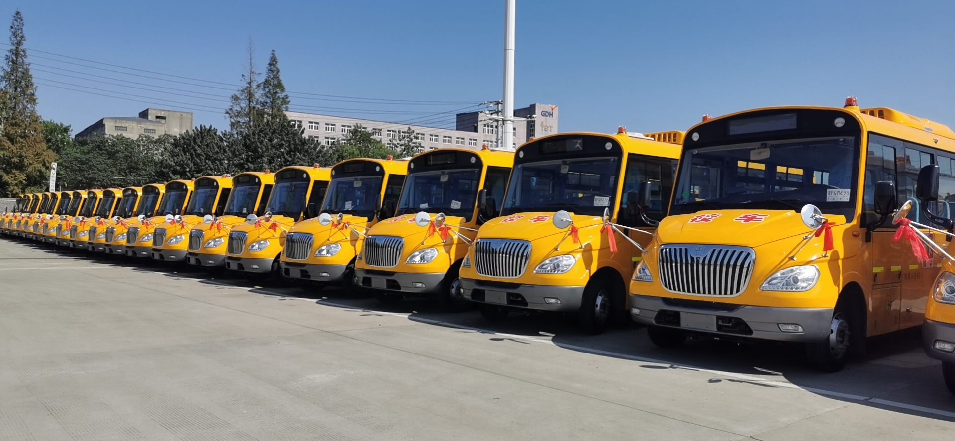47辆校车助力南京学子顺利开学!谁家车?