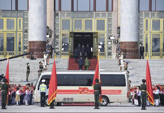 宇通T7为抗疫英雄护航,以中国制造之名向功勋致敬!1061