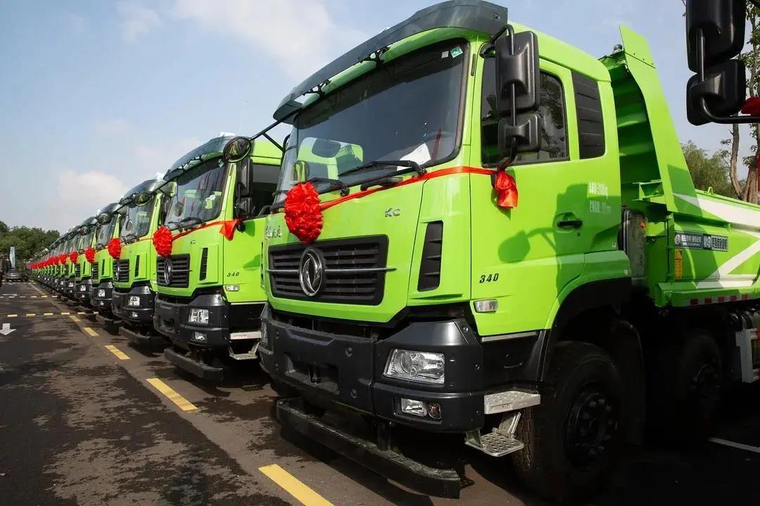百台搭载康明斯ISL发动机的智能环保渣土车在宁波顺利交付