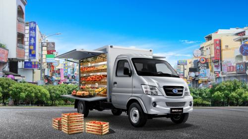 """福瑞达K系列翼展售货车助力新零售,""""乡镇版购物狂欢""""开在家门口"""