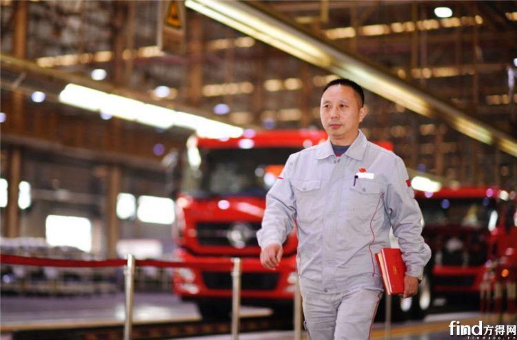 全国人大代表王建清:践行工匠精神,为一线产业工人发声