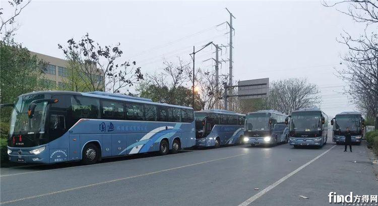 福田欧辉BJ6132豪华客车批量交付杭州客户